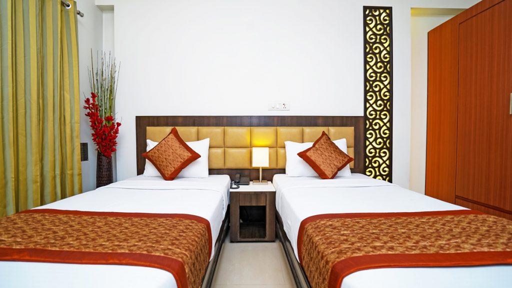 DELUXE ROOM 2 BED