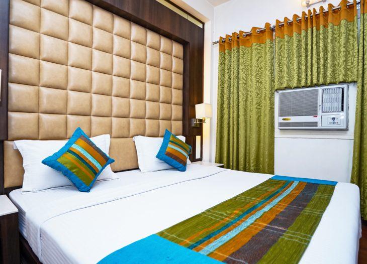 DELUXE ROOM DOUBLE BED